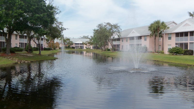 Pebble Shores Lake and Fountain